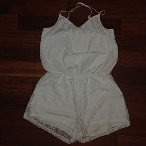 White lace romper Bobbie Brooks NWOT